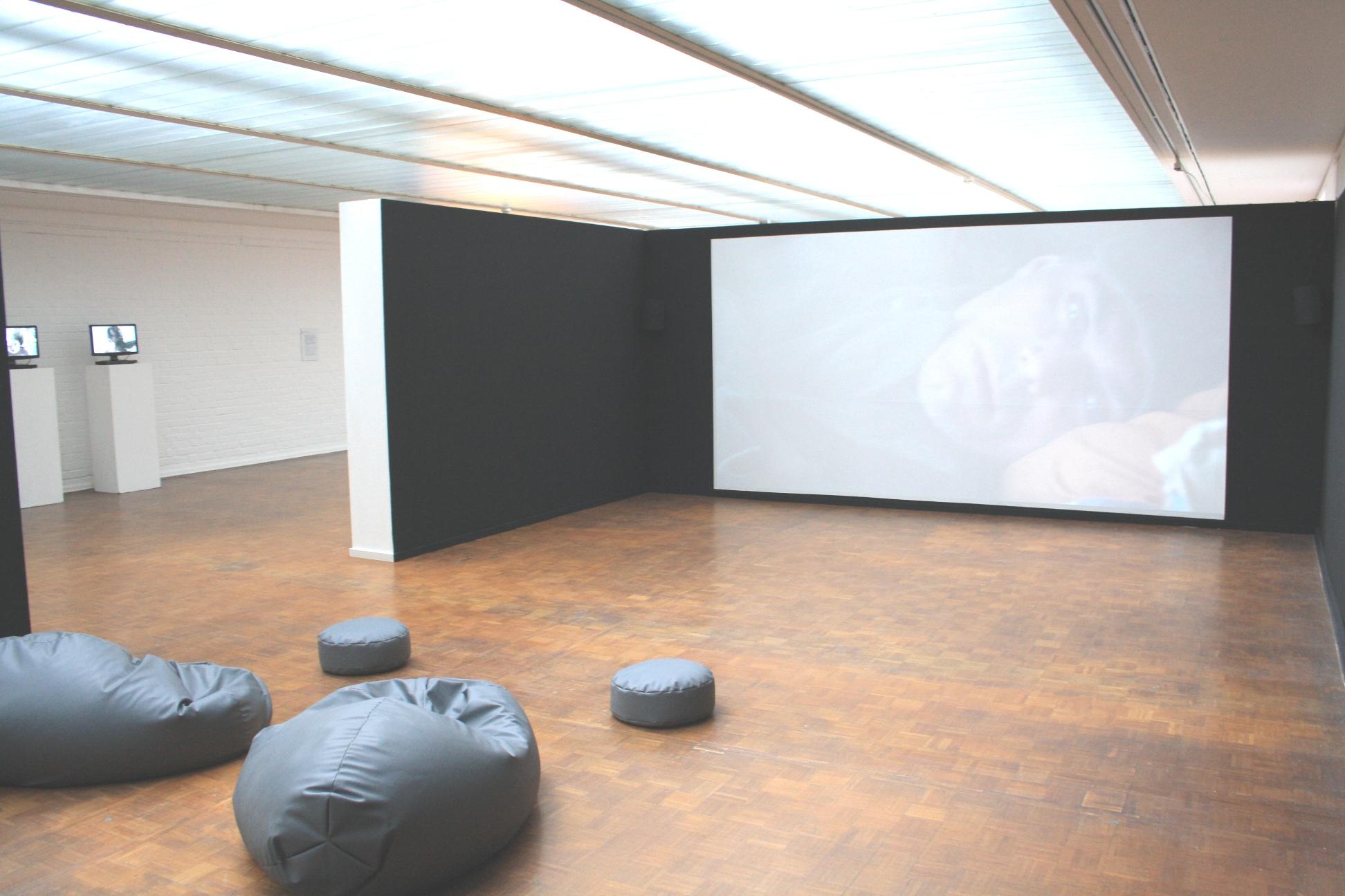 kunsthalle rostock telling the baltic. Black Bedroom Furniture Sets. Home Design Ideas
