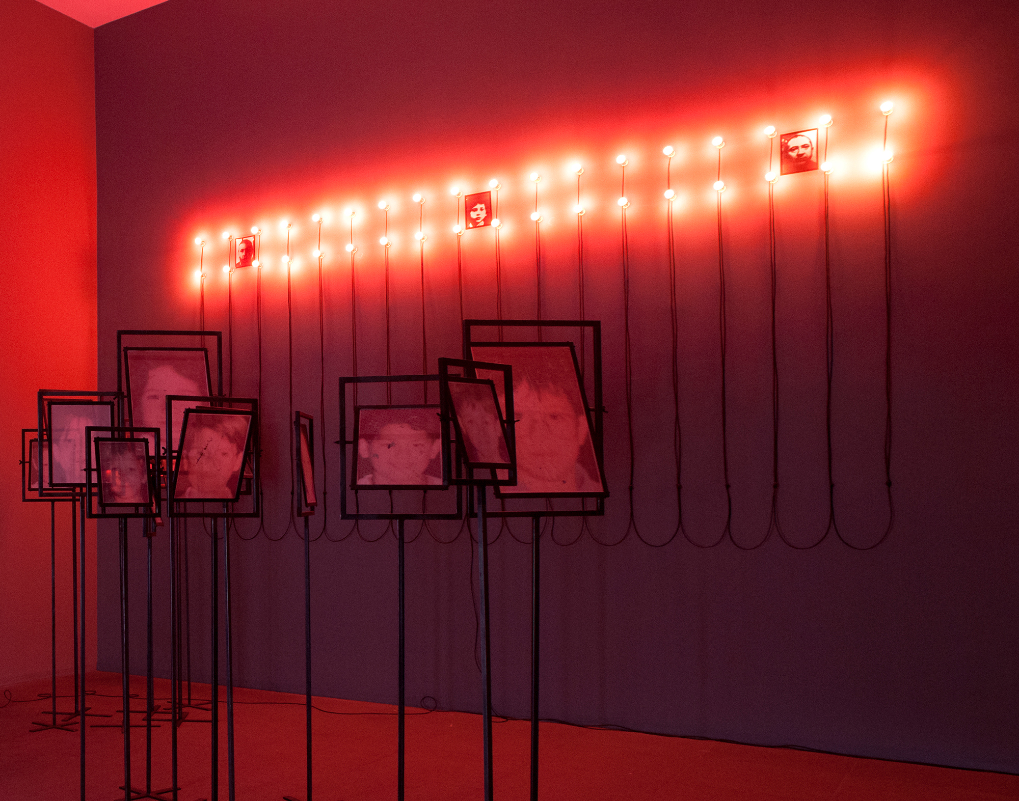 Christian Boltanski, Lumières 3 framed photographs, 36 LED and cables